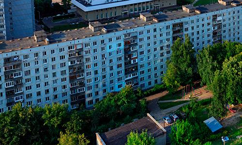 Трехкомнатную квартиру в Москве в пятиэтажке можно купить по цене двухкомнатной в девятиэтажке